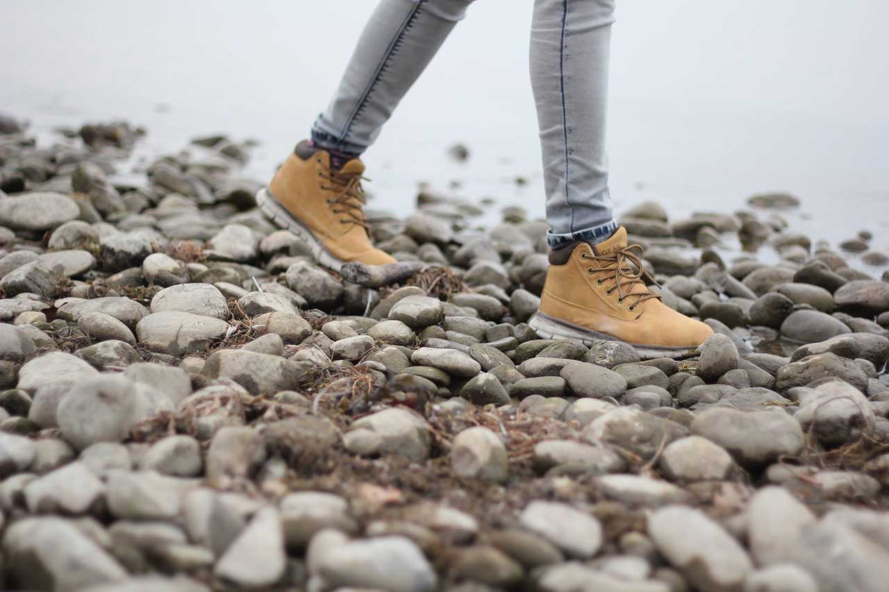 kävely aistien ja nauttien
